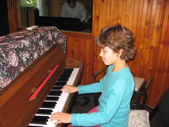 Zoë the Pianist