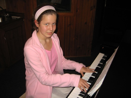 Stephanie Keyser (Edgemead Primary) Piano